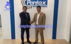 Đại diện hãng Pentax đến thăm showroom máy bơm nước của Thành Đạt